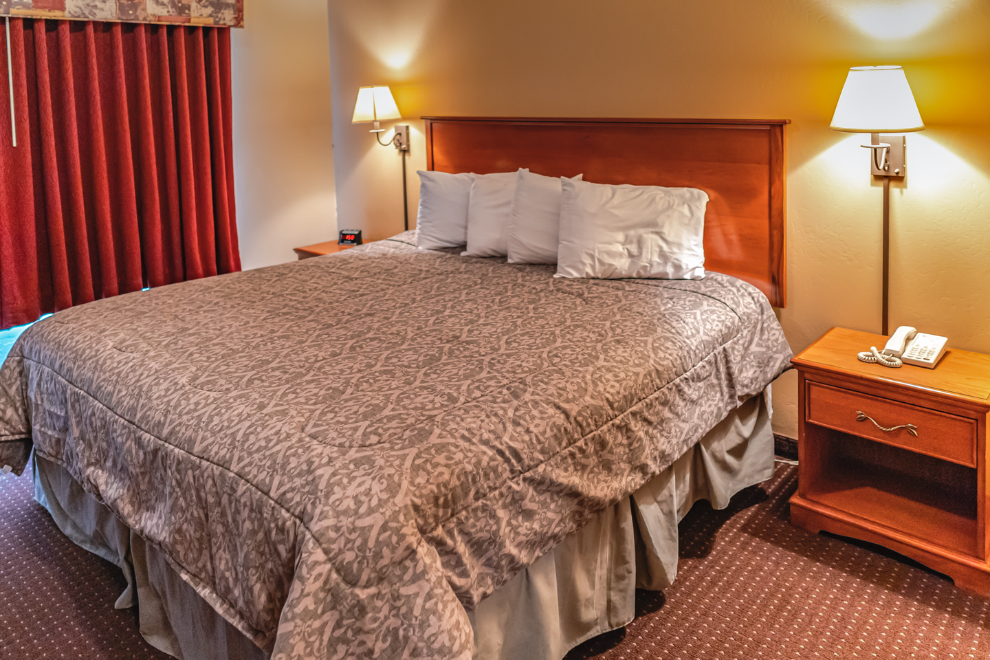 Mole Lake Casino Lodge In Crandon Wisconsin Offers The Best Hotel Deals On King Suite Rooms