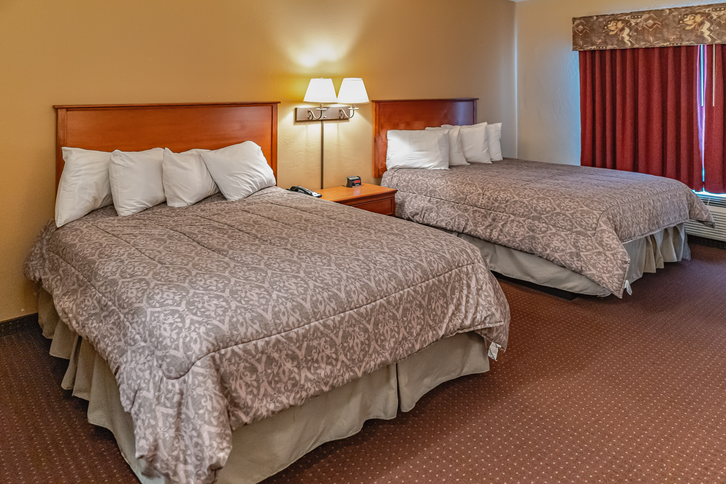 Mole Lake Casino Lodge In Crandon Wisconsin Offers The Best Hotel Deals On Double Queen Rooms